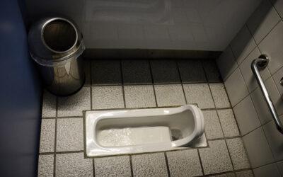 Waarom onze toilet onvriendelijk is voor de stoelgang